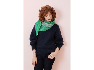 ALFRED GREEN TRIANGLE SCARF