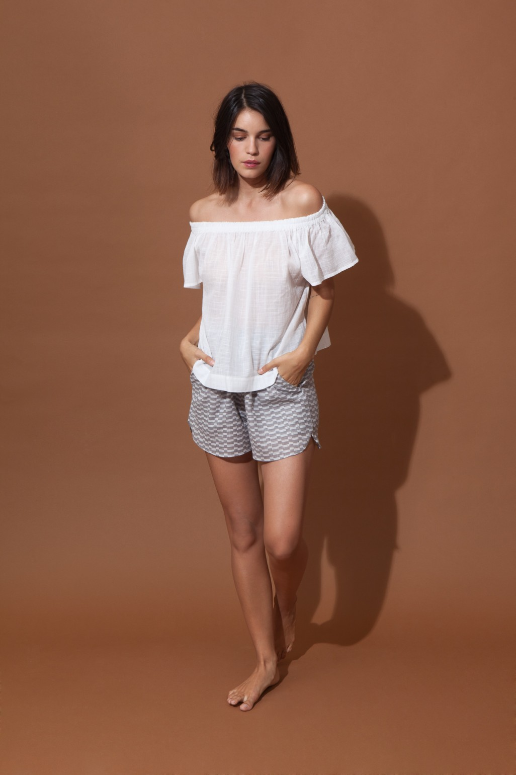 Top Off Shoulder BALI Uni White