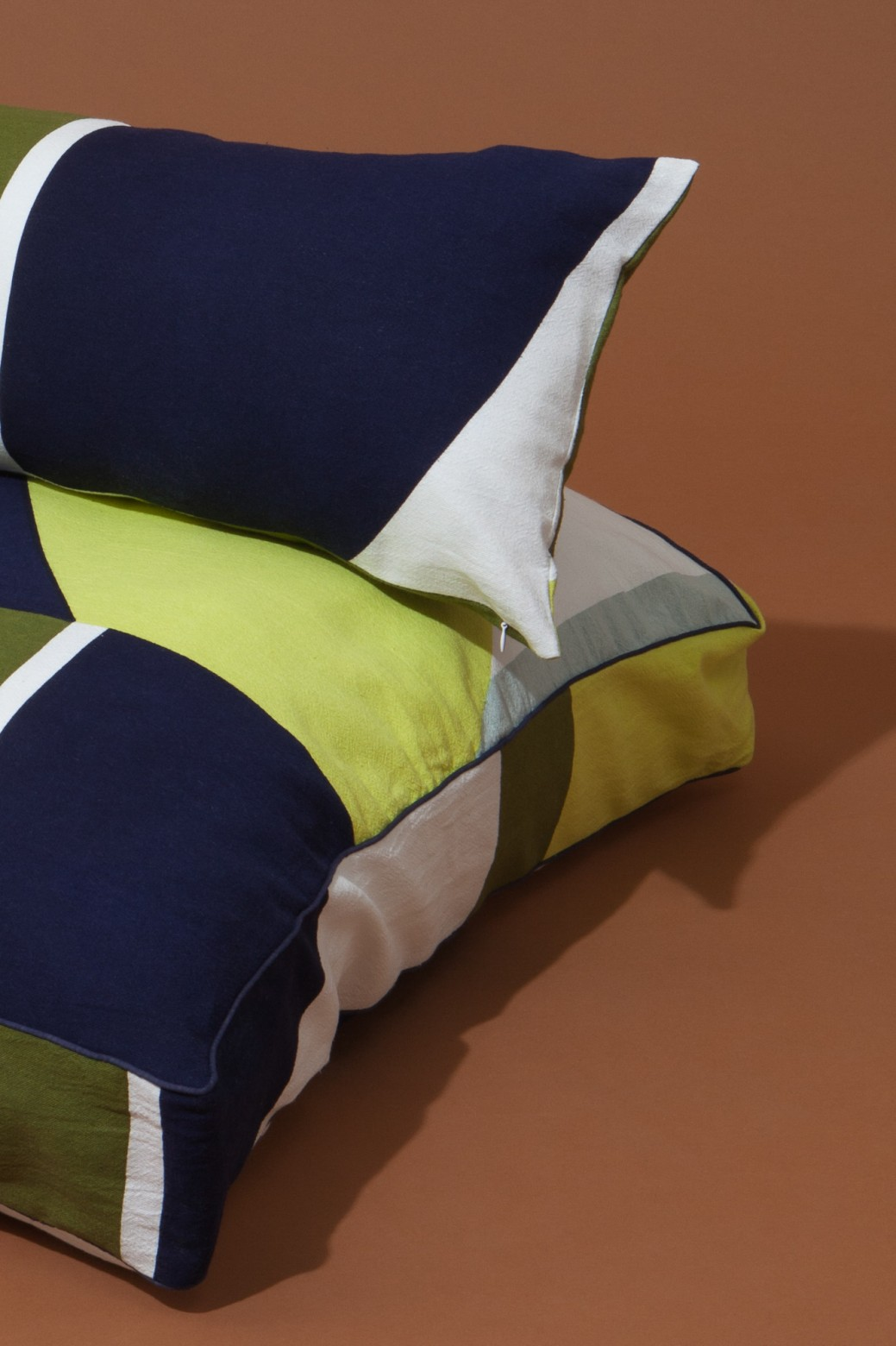 VISION KHAKI CUSHION COVER