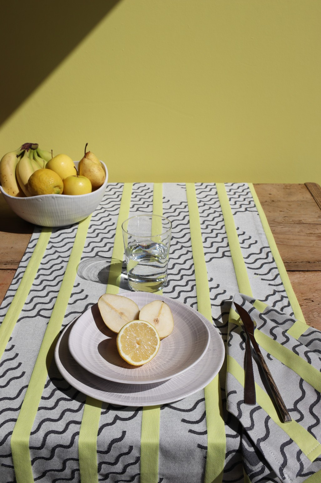 VAGUES LIME TABLE RUNNER MAPOÉSIE x JEAN VIER