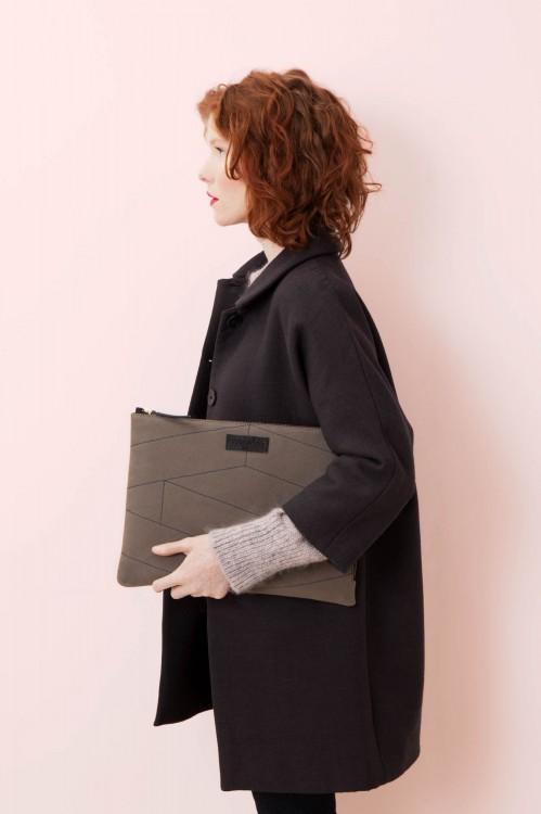 ROSALIE KHAKI LAPTOP SLEEVE